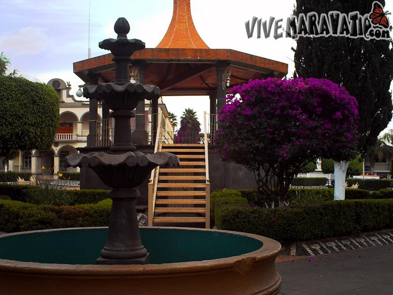 Fotogaleria: Irimbo Quiosco e Iglesia