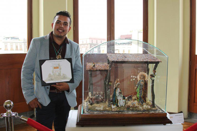 Artesano michoacano obtiene Galardón Nacional en el XXI Concurso de Nacimientos Mexicanos 2015