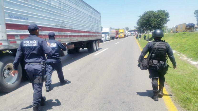Sin incidentes mayores movilizaciones de la CNTE y normalistas en Michoacán: SSP