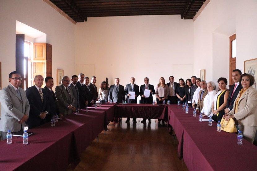 Signan Segob y Colegio de Notarios convenio para reducir costos de trámites testamentarios