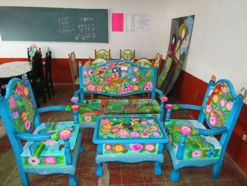 Premian a las y los ganadores de los concursos artesanales de Cuanajo