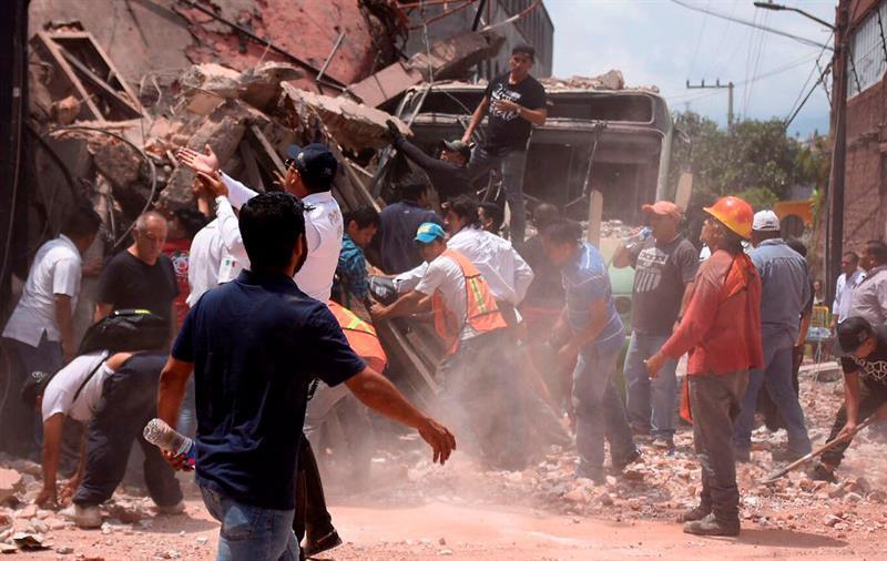 Van 251 fallecidos por sismo de 7.1