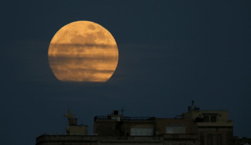 Fotogalería: 'Superluna' ilumina el cielo en la primera noche del 2018