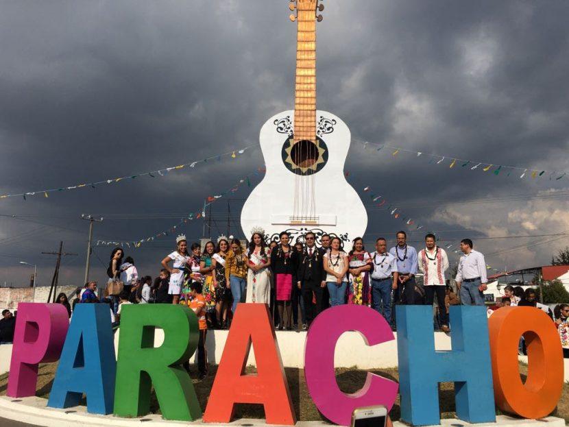 """Emotivo homenaje al creador de la guitarra de  """"Coco"""""""