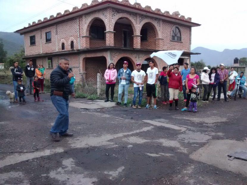 Francisco Carrillo y Laura Granados realizan exitoso recorrido en la tenencia de Tungareo