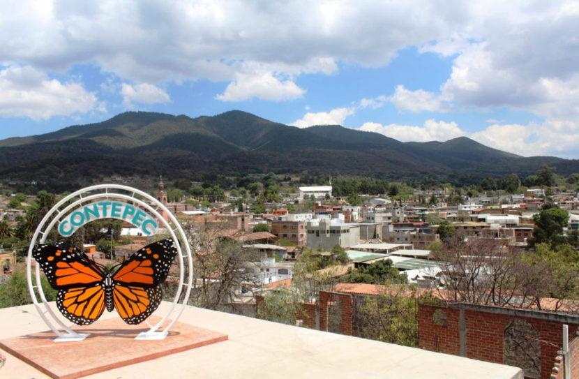 Develan imágenes de la Monarca, en Contepec
