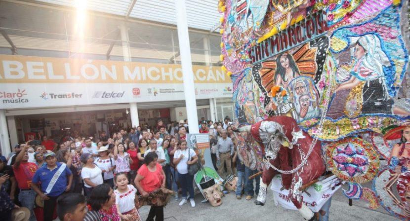 Toritos Monumentales llenan de música y colorido la Expo Fiesta Michoacán 2019