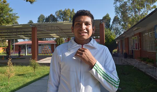 Luis, un joven con pies de acero y vencedor de adversidades.