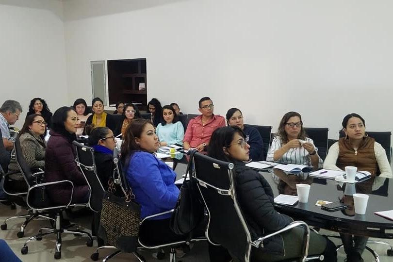 Trabajadores municipales de Maravatío reciben taller en mecanismos alternativos de solución
