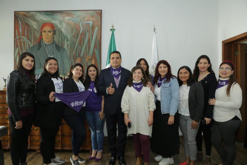 Cárcel y multas de hasta 172 mil pesos a quienes difundan 'packs' en Michoacán
