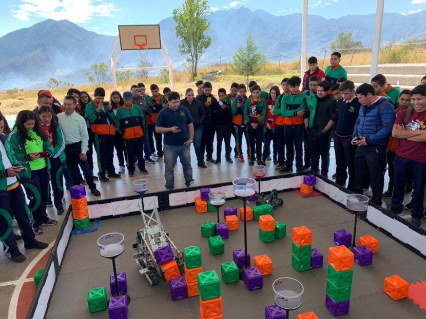 En Ciudad Hidalgo, Concurso Regional de Robótica del CECyTEM
