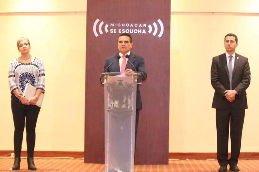 Silvano Aureoles pide a municipios suspender eventos y a la iglesia a no realizar misas.