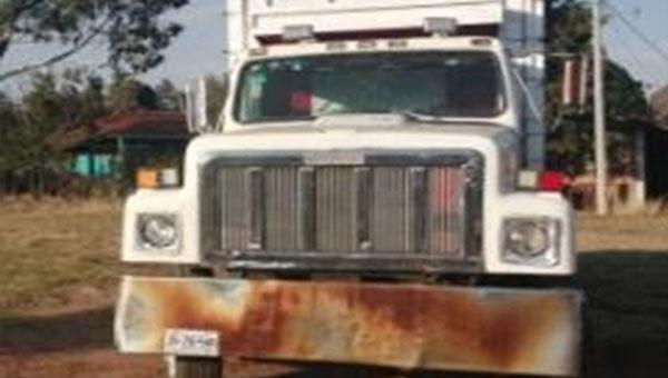 Recuperan camión con reporte de robo en Ciudad Hidalgo