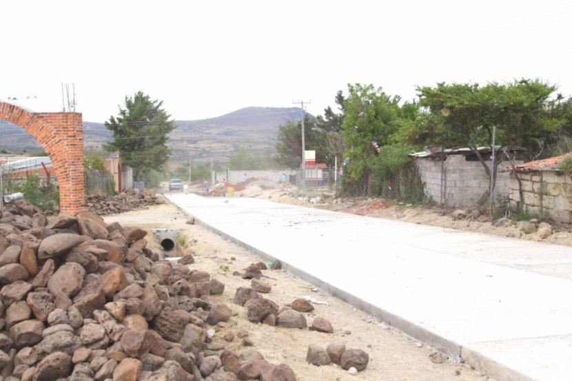 Avance del 80% en la pavimentación con concreto hidráulico en la comunidad de El Pedregal