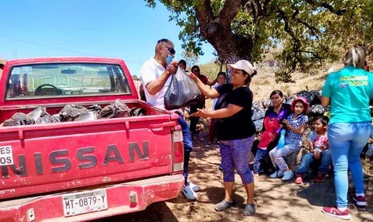 Gobierno de Maravatío continúa con la entrega de despensas a personas vulnerables