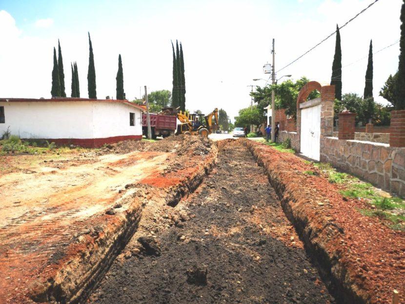 Inicia pavimentación de la calle Lázaro Cárdenas en la comunidad de Yurécuaro