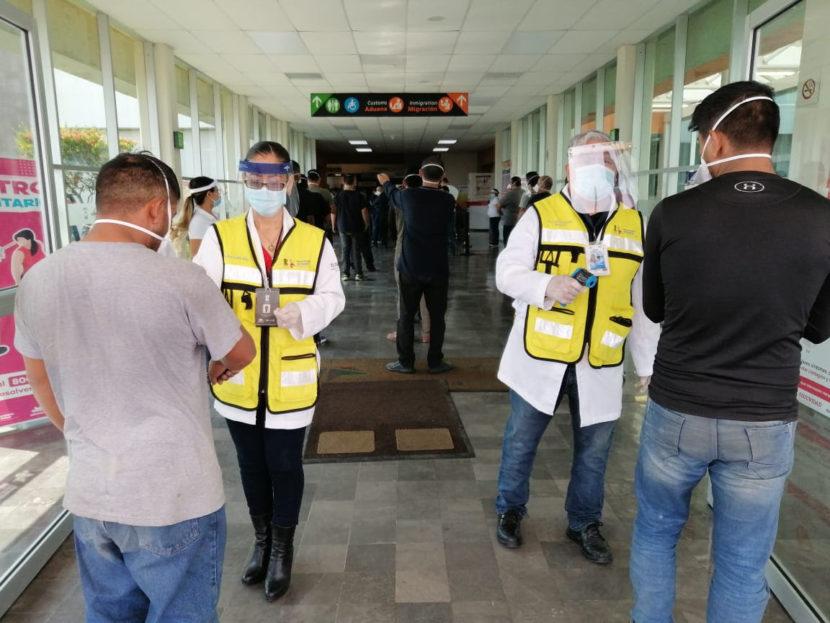 Monitorea SSM salud de connacionales repatriados en aeropuerto de Morelia