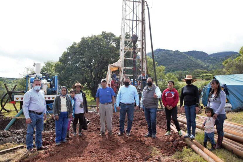 Jaime Hinojosa arranca la perforación de un pozo y construcción de una secundaria en Pomoca