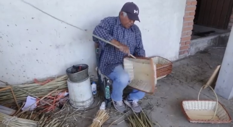 "Argimiro Rubio, artesano maravatiense finalista del Concurso ""Orgullo a la Persona Adulta Mayor, Michoacán 2020"""