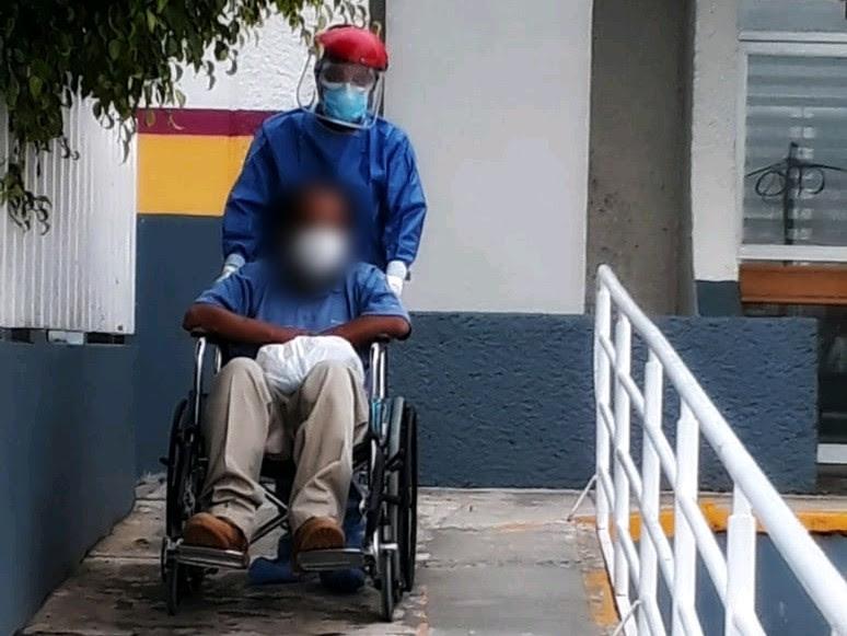 Registra Hospital General de Zitácuaro un egreso más de paciente que mejoró de COVID-19