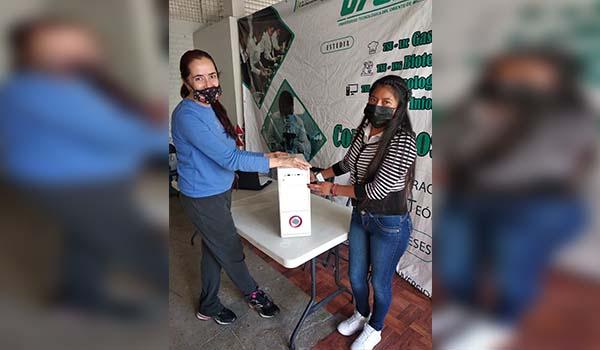 UTOM Maravatío instala Banco Electrónico para apoyar a estudiantes
