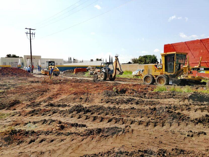 Jaime Hinojosa supervisa obra de pavimentación al acceso del nuevo centro de salud de Tziritzicuaro