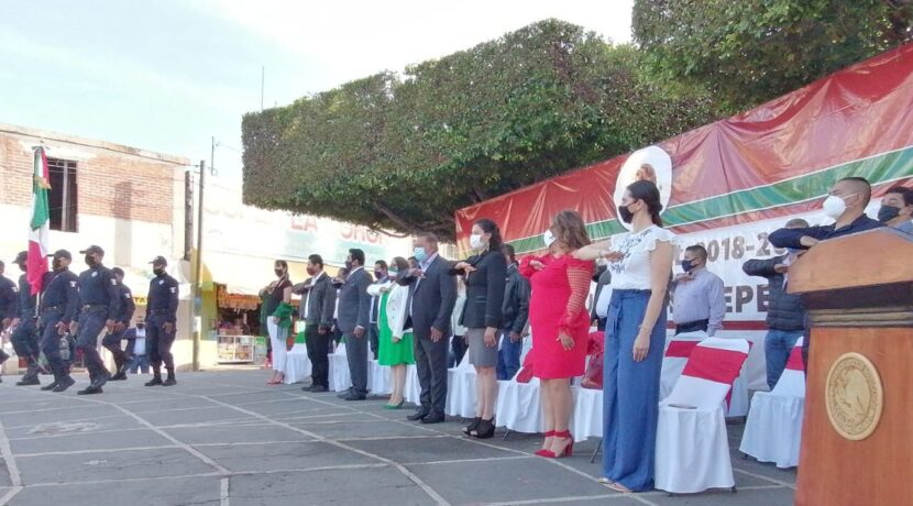 Ayuntamiento de Maravatío realiza acto cívico por el 210 Aniversario de la Independencia