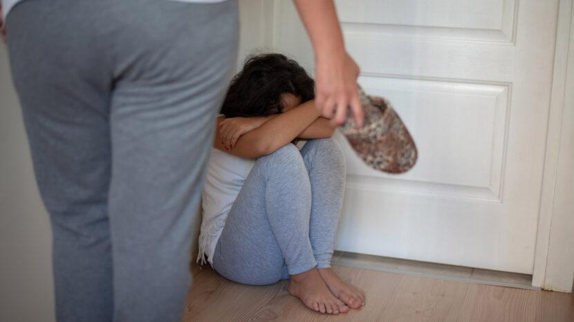 Diputado propone prohibir el castigo corporal como método correctivo, en Michoacán