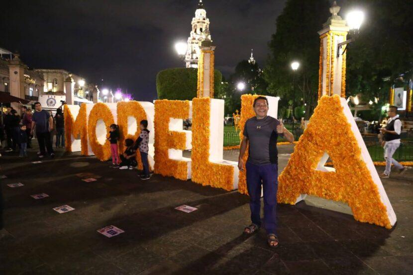 Turistas deberán acatar normas sanitarias durante Noche de Muertos en Michoacán