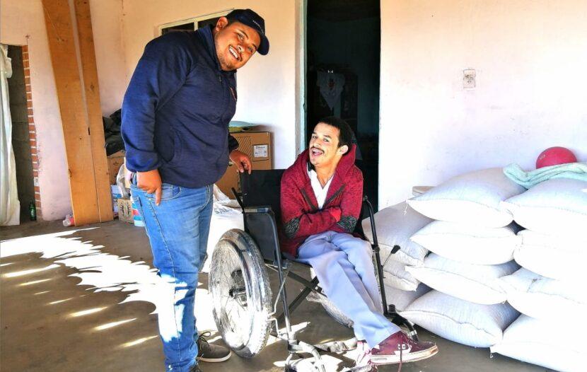 Asociación Civil Movimiento Juvenil Michoacán entregan aparatos funcionales a personas con problemas de movilidad limitada en Maravatío