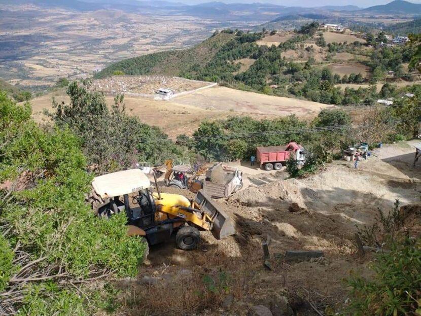 Continúa la rehabilitación de caminos rurales de Maravatío