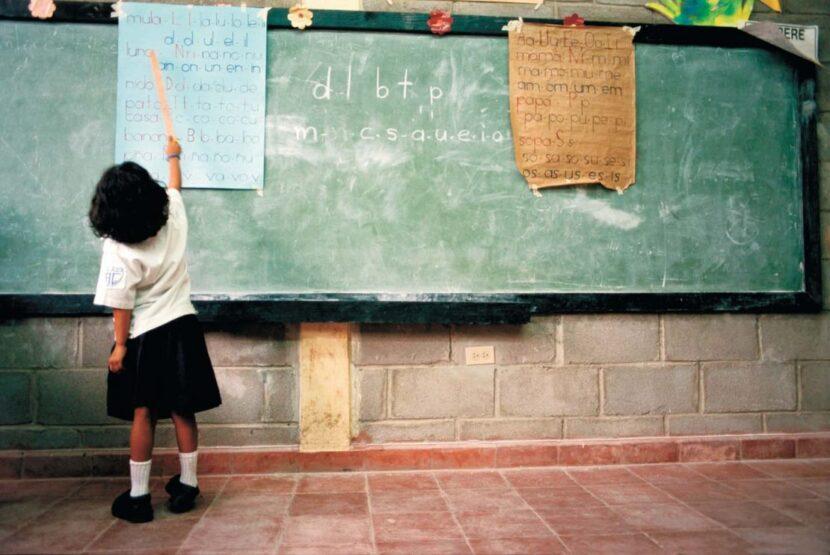 Preocupa a FNERRR rezago educativo en 2020