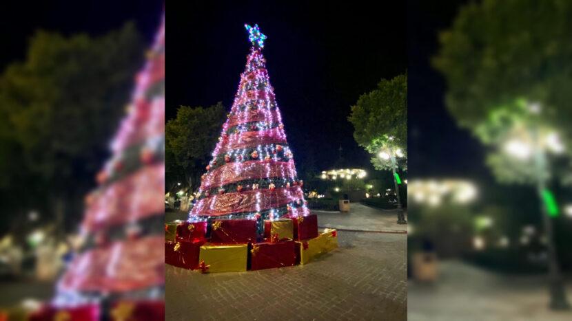 Por pandemia, no hubo evento de encendido del árbol navideño de Maravatío