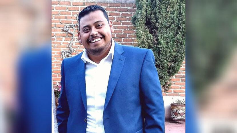 Adrián Luna se registra como precandidato para diputado local de Maravatío